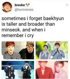 Their height states are wrong af… Exo Chanbaek, Exo Ot12, Baekhyun Chanyeol, Funny Kpop Memes, Exo Memes, K Pop, Xiuchen, Kpop Exo, Kpop Groups