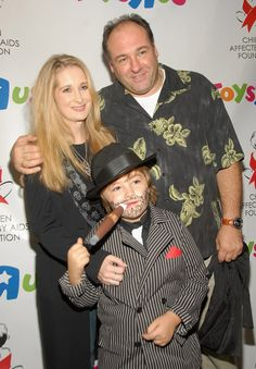 James, Marcy, and Michael Gandolfini Like father, like son! James Gandolfini's son was probably too young to watch The Sopranos, but looks like dad was able to wrangle some seriously mafia-inspired duds for his son in 2007.