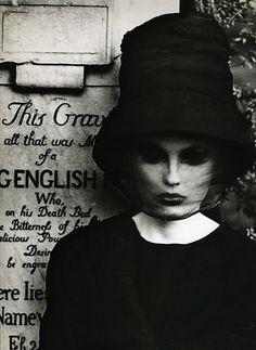 William Klein, 1962. Model: Dorothea McGowan.