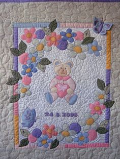 Ulla's Quilt World: Quilted baby blanket