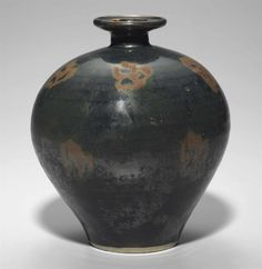 A rare russet-decorated blackish-brown-glazed jar, Northern Song dynasty…