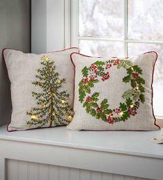Christmas Cushions, Christmas Pillow, Christmas Art, Christmas Projects, Simple Christmas, Christmas Decorations, Christmas Ornaments, Christmas Sewing, Christmas Embroidery