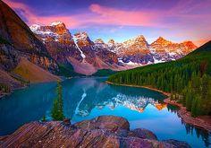 Moraine Lake, Banff, Alberta, Canada