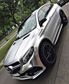 Daimler's mega brand Maybach was under Mercedes-Benz cars division until when the production stopped due to poor sales volumes. Mercedes-AMG became a Mercedes Amg, Top Luxury Cars, Luxury Suv, New Ferrari, Lux Cars, Fancy Cars, G Wagon, Sport Cars, Dream Cars