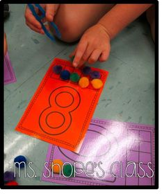 FREEBIE number mats 1-20- use for sequencing and number activities! Could use with playdough, pom poms & tweezers or counters.