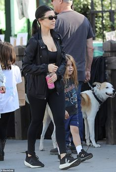 Kourtney Kardashian hits up farmers market with gal pal Larsa Pippen Kardashian Style, Kardashian Jenner, Kourtney Kardashian, Reign Disick, Larsa Pippen, Los Angeles Shopping, Sneakers Street Style, Lauren London, Christina Milian