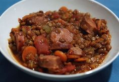 Weight watchers chorizo lentils, an easy and simple recipe, a 6 SP dish to prepare for a lunch or an evening meal. Plats Weight Watchers, Weight Watchers Meals, Weight Warchers, Ww Recipes, Healthy Recipes, Batch Cooking, 100 Calories, Evening Meals, Parfait