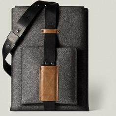Hardgraft Shoulder MacBook Sleeve