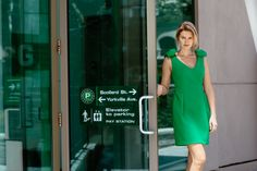 Can you wear green to the office? Yes, but carefully. The trick with bold colours is to pare down the accessories to the bare minimum. With this look, a pair of tan pumps is all that's required...