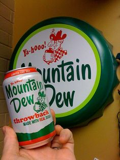 mountin dew throw back signs Fun Drinks, Alcoholic Drinks, Beverages, Vintage Images, Vintage Items, World Map App, Soft Drink, Morning Dew, Mountain Dew