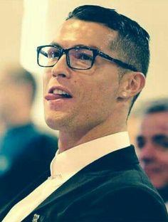 60 Cristiano Ronaldo Haircut Ideas that Are Hair Goals Cristiano Ronaldo Haircut, Cristano Ronaldo, Ronaldo Football, Ballon D'or, Real Madrid, Football Hairstyles, Neymar Vs, Gentleman Haircut, Cr7 Junior