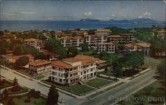 Una magnífica vista de la ciudad de Pmá desde el hotel Panama Hilton. La calle a la der. es la Vía España haciendo esquina con la Federico Boyd.