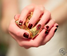 Rich and Famous - simple nail art