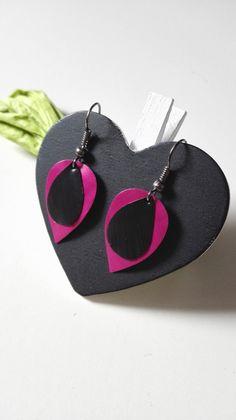 Boucles d'oreilles gouttes d'eau Nespresso noires et fuchsia graphique féériques : Boucles d'oreille par miss-perles