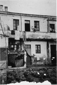 Façana de casa de pescador al carrer del Progreso de Sant Antoni de Calonge. 1942. Autor desconegut. 27641F MMB Painting, Angler Fish, Author, Painting Art, Paintings, Painted Canvas, Drawings