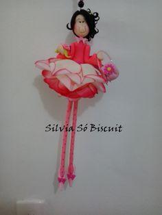 Minha Criação, Boneca Flor feita com biscuit e flor artificial.
