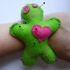 Dream a Little Bigger - Dream a Little Bigger Craft Blog - Inspired! Voodoo Doll PinCushion!