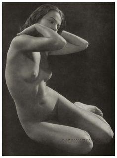 Nude by Josef Pecsi, Plate 7 Portfolio Das Deutsche Aktwerk edited Bruno Schultz 1938