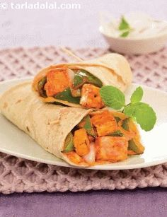 What an amazing roll this is! folks will keep popping into your kitchen even as you make this treat, lured by the aroma of paneer, onions and capsicum tossed in a spicy marinade. This all-time favourite and time-tested recipe will never fail you.