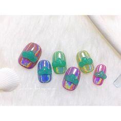 久々だったので定番の松マーク。 MissMirage NM30.79.N15.S49.51.48 ピアドラのユニコーンパウダー Mirage bonbonscolorés #nail #nails #nailart #ネイル #美甲 #ネイルアート #clou #nagel #ongle #ongles #unghia #japanesenailart #松ネイル #おそ松さん #osomatsusan