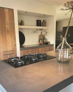 New Kitchen, Kitchen Dining, Kitchen Decor, Kitchen Cabinets, Decor Interior Design, Interior Decorating, Cool Kitchens, Interior And Exterior, Liquor Cabinet