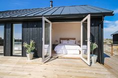 Great view from the bedroom Shed House Plans, Small House Plans, Tiny Cabins, Cabins And Cottages, Mountain House Plans, Weekend House, Shed Homes, Steel House, House With Porch