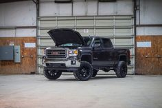 2015 GMC Sierra 1500 SLE LIFTED 4x4 Truck $40,000
