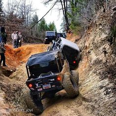 """LIVING JEEP by @ronbon_jovi """"Clemson Offroad Clubs first trip of the spring semester. #clemsonoffroad #jeepbeef #crawl #instajeep #jeeplife #jeep #pirate4x4 #4x4 #jeepporn #tj #4Ds"""" #Padgram"""