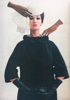 Simone d'Aillencourt, photo by Melvin Sokolsky, Harper's Bazaar March 1961 | julen_m_a