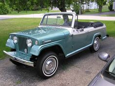 ☆ 1967 Jeepster Deluxe ☆.  I could see myself driving this Jeep.  I am a Jeep girl.