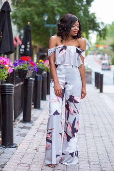 Off shoulder top + pants jumsuit fashion, outfits v Rompers Women, Jumpsuits For Women, Look Fashion, Fashion Outfits, Womens Fashion, Fashion Clothes, Fashion Ideas, Clothes Women, Maxi Romper
