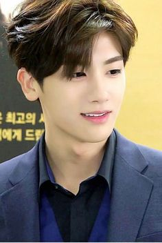 上流社会 Hyungsik if ZEA..handsome look...hemmm