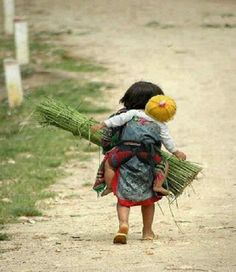 Poor Children Photography Life Pictures Ideas For 2019 Precious Children, Beautiful Children, Beautiful People, Kids Around The World, People Around The World, Cute Kids, Cute Babies, Jolie Photo, Baby Kind