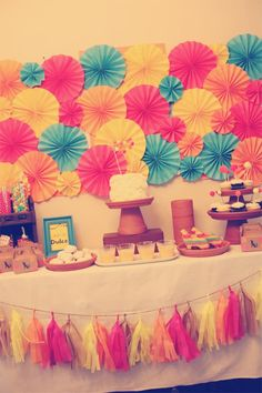 Party decorations by scrib9877 on pinterest balloon for Decoracion de paredes infantiles