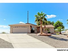 * Just Listed * Super clean 3/2/2 South Side Pool home on HUGE lot with tons of side RV parking, granite and more! » http://www.homesearchlakehavasu.com/property/913595/ - 2000 Martinique Dr, Lake Havasu City