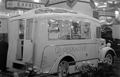 1948 Morris mobile shop