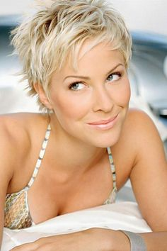 brittany daniel. always looks gorgeous. love her hair here!