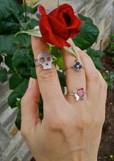 Historically, the ‪#‎rose‬ was of great importance to the Romans and Egyptians. #Cleopatra of ‪#‎Egypt‬, was believed to have covered the floor of her palace room with roses, before Mark Antony visited her! Romantic. #disturbedjewelry #history #facts #skullrings #finejewelry