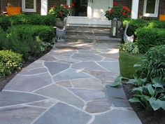 Interesting Design Of Flagstone Walkway For Exterior Home Design ...
