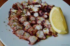 Greek style pickled octopus (Xtapodi Ksidato)