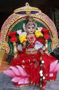 Doll as goddess. Durga Images, Lakshmi Images, Deepavali Special, Gauri Decoration, Ganapati Decoration, Durga Goddess, Durga Maa, Shiva Shakti, Indian Dolls