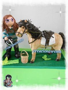 Muñequitas fofuchas de goma eva Creacionesreme: Muñequita fofucha personalizada Irene y caballo de goma eva Spirit