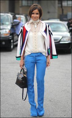 blekitne spodnie stylizacja