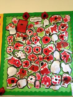 Poppy Display Remembrance Day Activities, Remembrance Day Art, Creative Area Eyfs, Australia Crafts, Ww1 Art, Poppy Craft, Spring Art Projects, Anzac Day, Theme Days