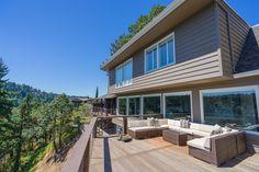 Custom home in Lake Oswego, Oregon. (Stoneridge Custom Development)