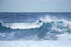 ESCABECHINA DE FAVORITOS EN LA 3ª RONDA DE LA RIP CURL PRO BELLS BEACH 2016  Si ayer ya comentábamos que Mason Ho eliminaba a Adriano de Souza en la Rip Curl Pro Bells Beach 2016 hoy han seguido los mismo derroteros casi todos los favoritos al triunfo final menos Mick Fanning #RipCurlPro #BellsBeach #surf #wsl by nauticalnewstoday http://ift.tt/1KnoFsa