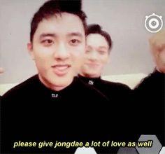 please give both chen & kyungsoo a lot of love.O and Chen - EXO Exo Chen, Exo K, Baekyeol, Kyungsoo, Chanyeol, Scream Meme, Kim Jongdae, Exo Ot12, Exo Memes