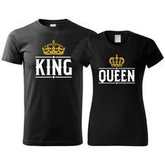 Potlač na bavlnených tričkách pre páry, ktorá určite zožne úspech. Tričká sú vhodné pre všetky páry. Potlač obsahuje anglický text na pánskom tričku King a Queen na dámskom tričku. Slovenský preklad na pánskom tričku znamená Kráľ a Kráľovná na dámskom tričku. King Queen, Tops, Fashion, Moda, Fashion Styles, Fashion Illustrations