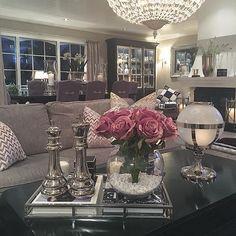 GOOD NIGHT & SLEEP TIGHT EVERYONE OF MINE FAB FOLLOWERS ⭐️ #myviewfromhere livingroom #myhome #elegantehjem #eleganceroom #vakrehjem #vakrehjemoginterior #instadaily #instamood #interior123 #interior444 #interior9508 #herregard_design #hem_inspiration #kava_interior #ourluxuryhome #charminghomes #dreamhome #dreamhome555 #lenebjerredesign #classicliving #classyinteriors #interior_and_living #interiorstyled #interiorforinspo #lgdesign #sofiesvilla #vikelektrooginterior #beautifuldecor