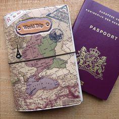 paspoorthoesje met paspoort